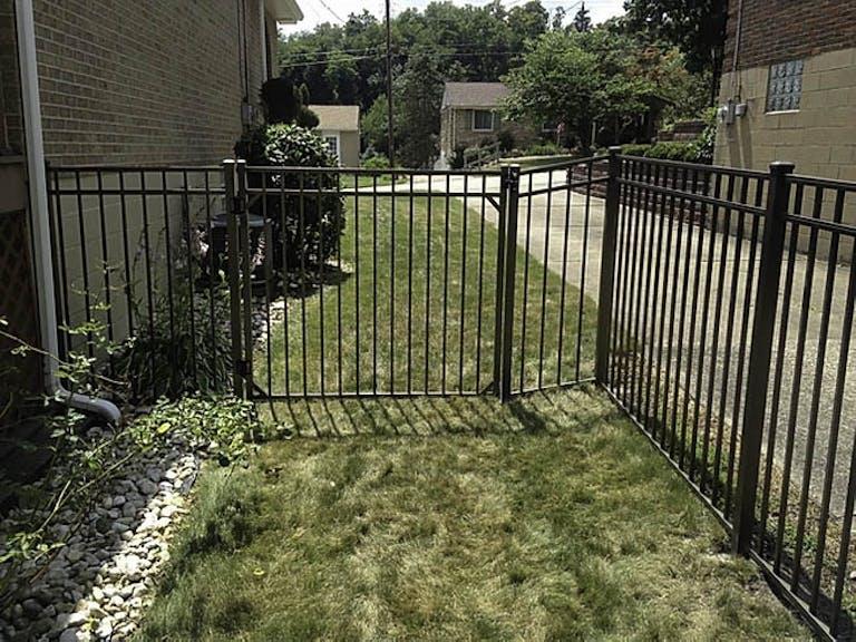 Four-Corners-Fence-Company-Iron Fence