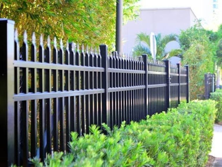 Town-&-Country-Fence-steel-fence