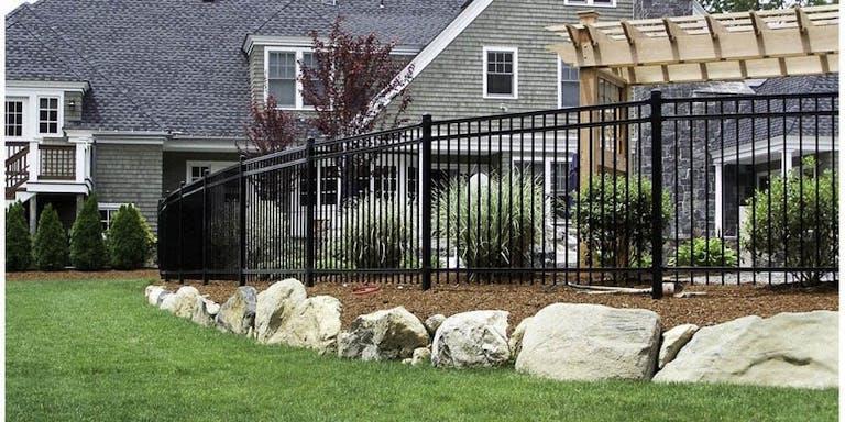 Van's-Fence-steel-fence