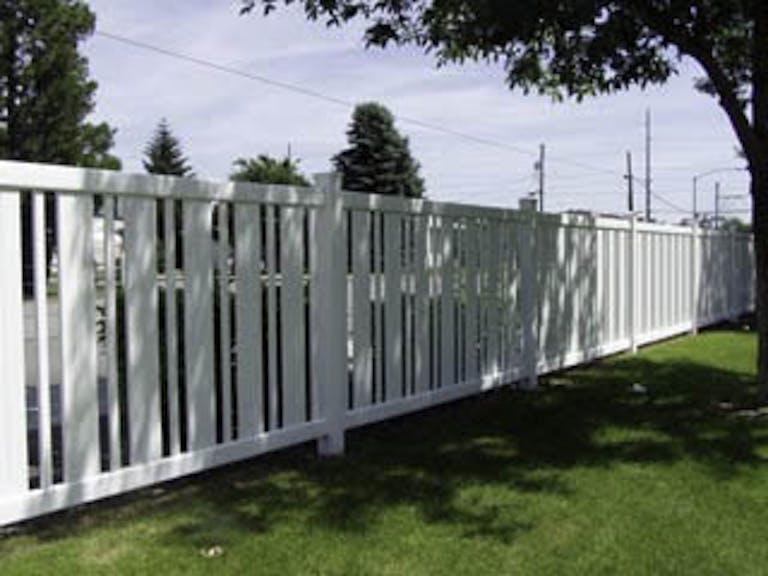 Frontier-Fence-Inc.-VInyl Fence