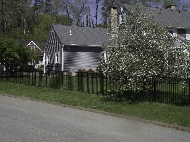 Fences-By-Stoneridge-steel-fence