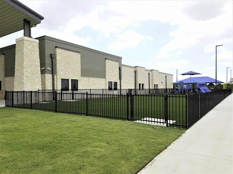 Green-&-Son-Builders-Steel-Fence
