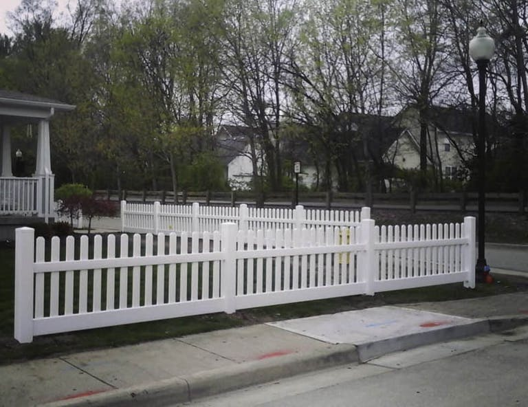 Affordable-Fence-Builders-Picket Fence