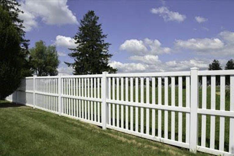 Mobile-Fence-vinyl-fence