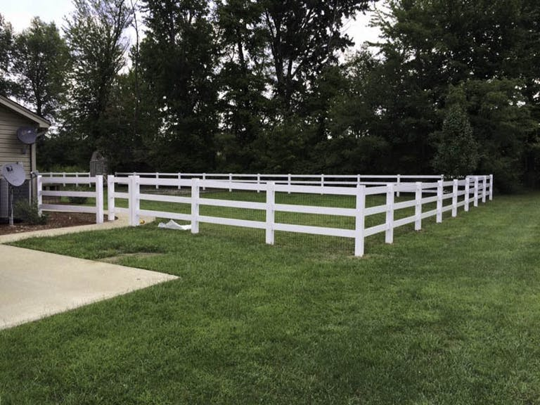 Colonial Post and Fence Picket Fence