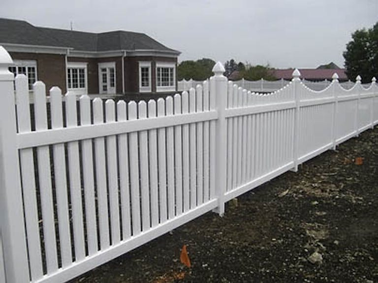 Ideal-Fence-Inc.-wooden-fence