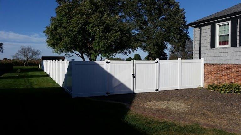 A 1 Fencing Inc. vinyl fence