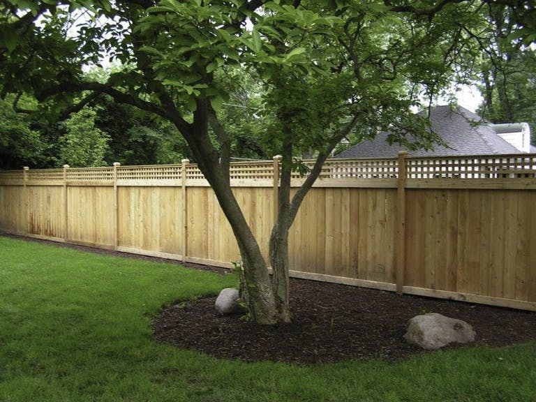 Northern-Illinois-Fence-Inc.-wooden-fence