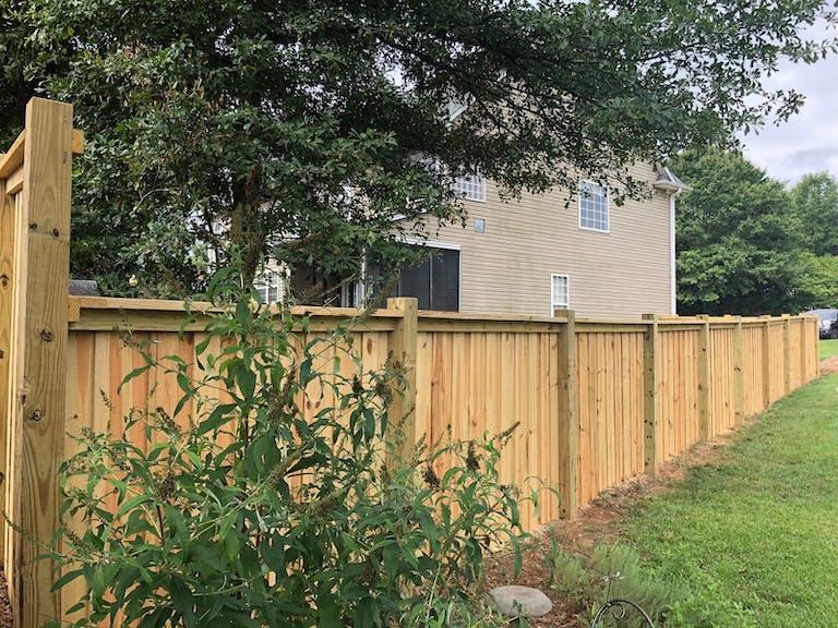 Outdoor-Fence-&-Deck-Contractors-wooden-fence