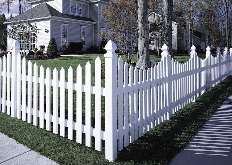 American-Fence-Co.-(Oyster-Bay-Enterprises)-vinyl-fence