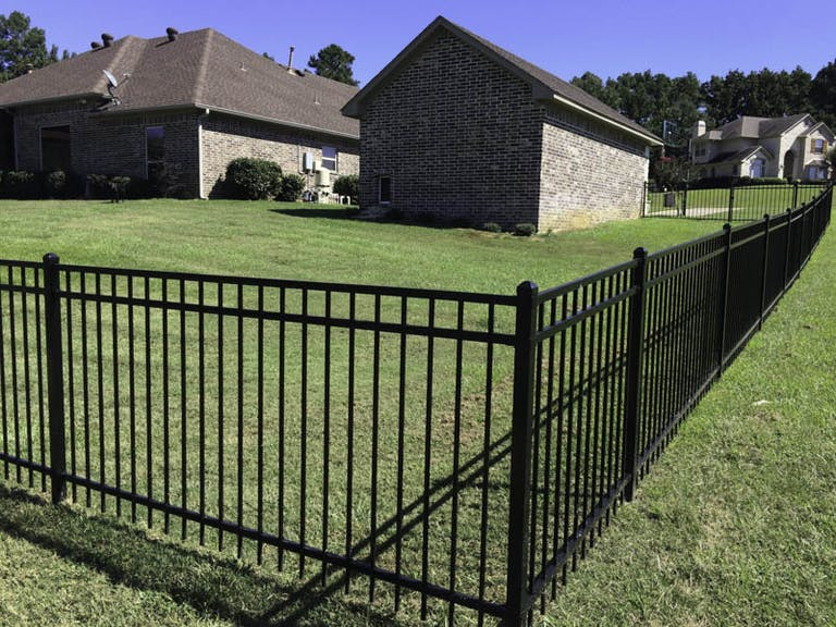A&L-Fence-Co.-Inc.-steel-fence