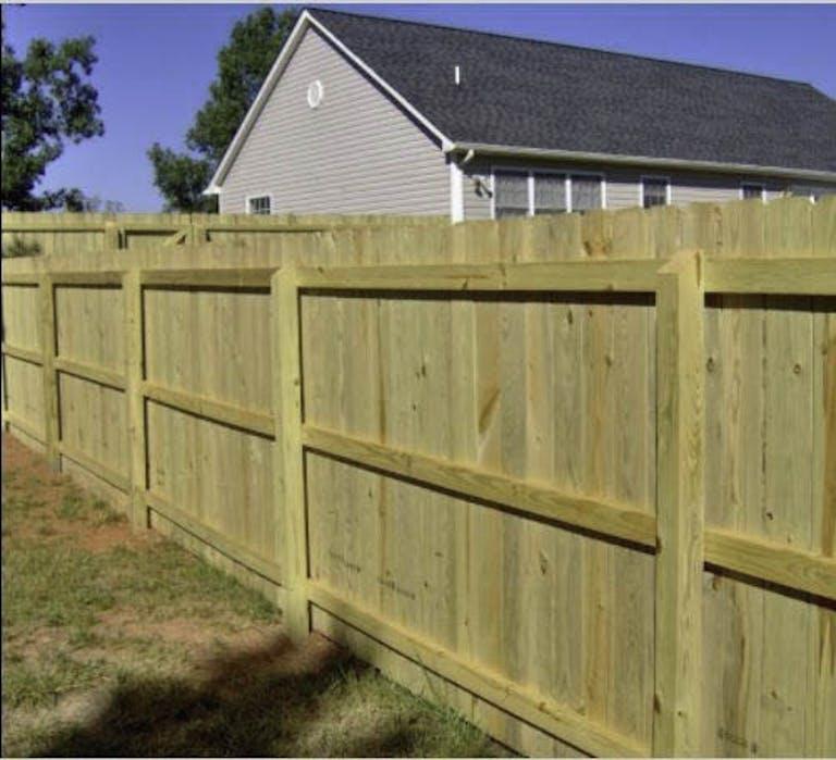 Lynchburg-Fence-&-Railing-Co.--LLC-wooden-fence
