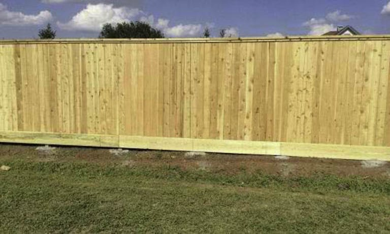Texas-Apache-Fence-Wooden Fence
