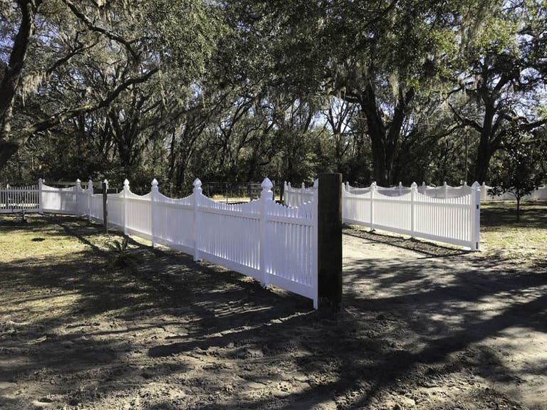C&S-Fence-and-Gate-Inc.-vinyl-fence