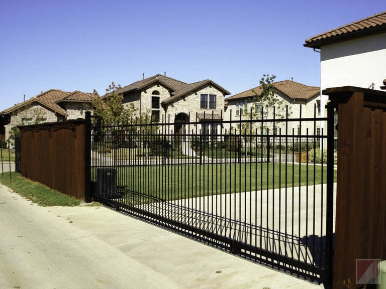 Ace-Fence-of-DFW-Inc.-steel-fence