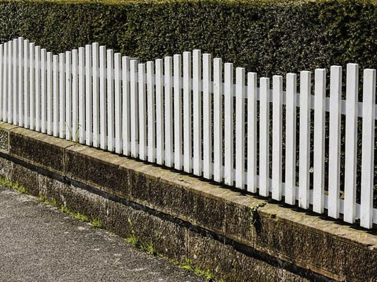 Town-&-Country-Fence-Co.-Of-Oregon-Picket Fence
