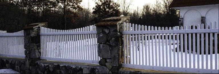 Tony's Fence Co. Wooden Fence