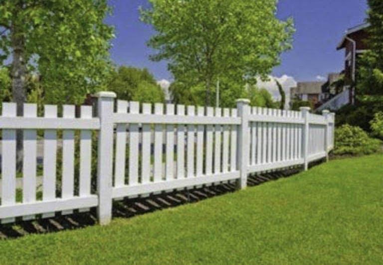 Randy Garrett Ent. LLC/ Town & Country Fence Company Wooden Fence