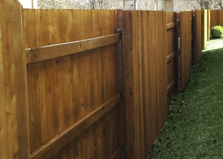 Ranchers-Landscaping-Wooden-Fence