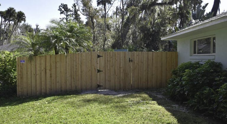 Allphases-Fence-and-Pavers-wooden-fence