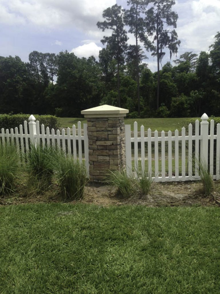 Classic-Fence-of-Central-Florida-Inc.-wooden-fence