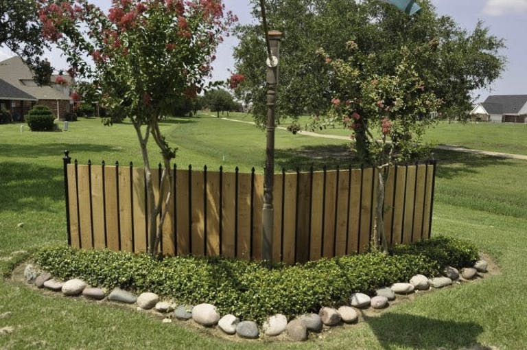 Hinds-Quality-Fence-Inc.-Wooden Fence