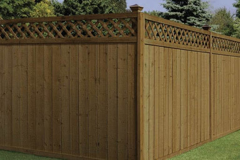 Universal Forest Products Saginaw LLC Wooden Fence