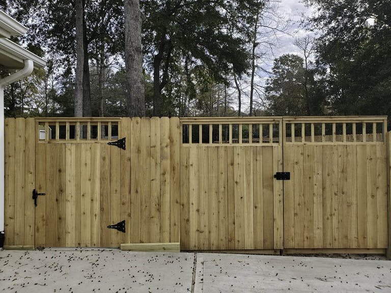Montgomery-Fencing-and-Exteriors-Wooden Fence