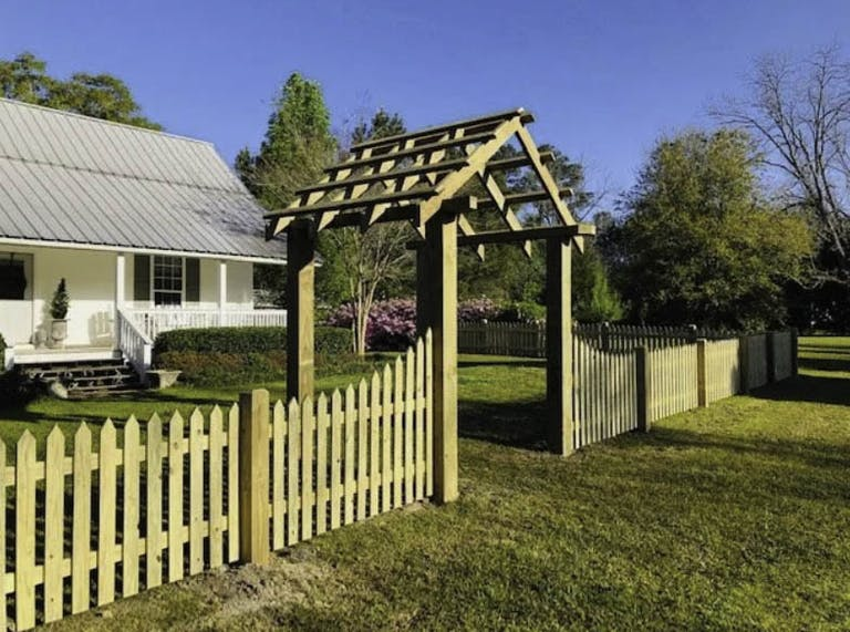 Cooper-Fence-Co.-wooden-fence