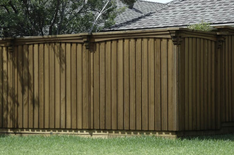 Top-Quality-Fence-and-Arbor,-LLC-vinyl-fence
