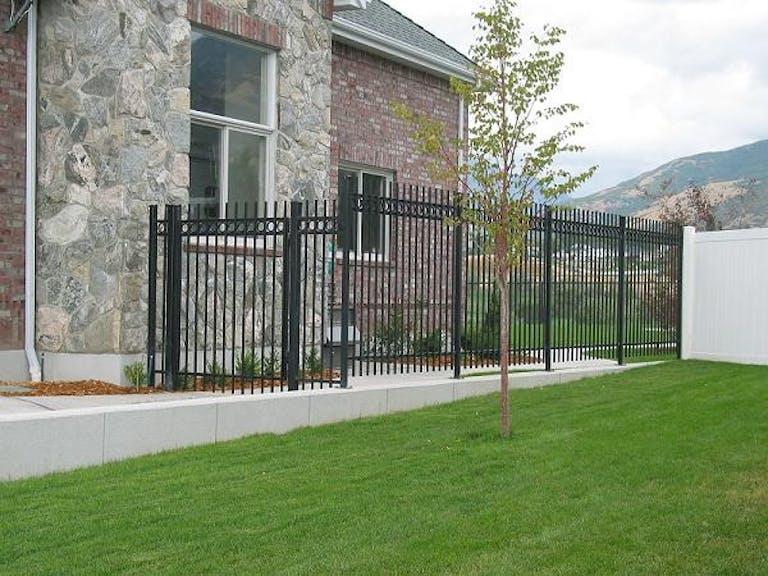 Ace-Fab-&-Welding-Mgmt-LLC-steel-fence