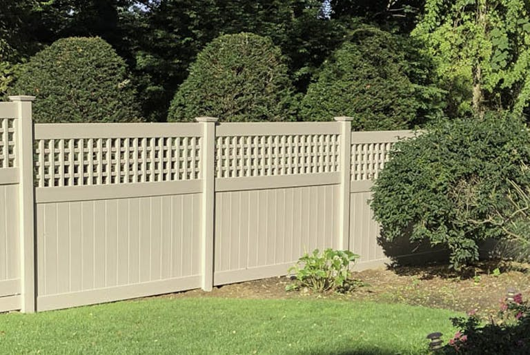 Reliable Fence Supply Co. Inc. Vinyl Fence