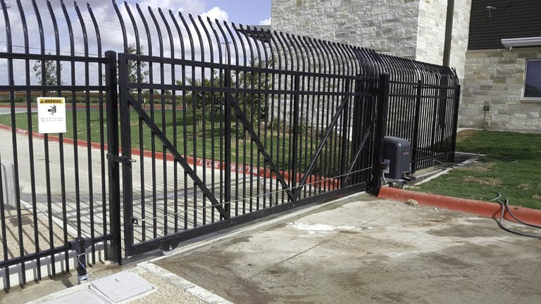 Hill-Country-Fence-steel-fence