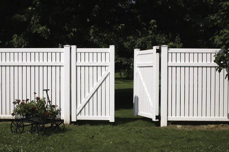 Byers-Fence-LLC-vinyl-fence