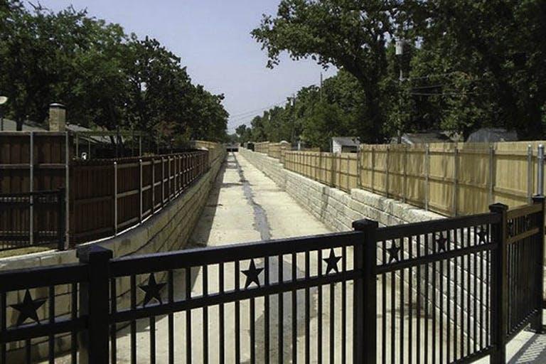 Llano-River-Fence-Company-LLC-steel-fence