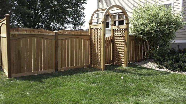 Dakota Unlimited Wooden Fence