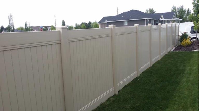 Wildwood Builders vinyl fence