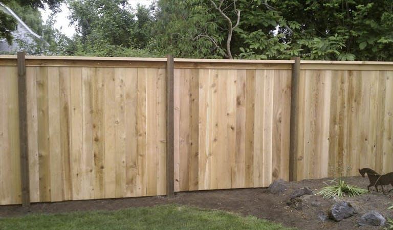 MEI-Construction-LLC-Wooden-Fence