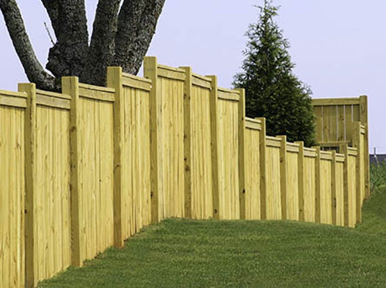 Accurate-Pavers-&-Landscape-Inc.-wooden-fence