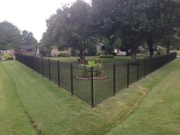 Hodges-Fence-Erectors-chain-link-fence