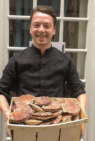 Bistrot-Instinct-cuisinier-coquilles-st-jacques