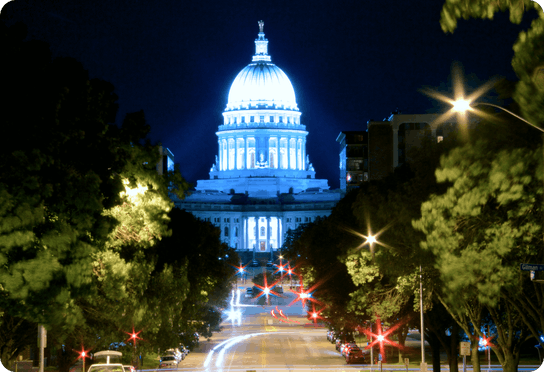 Madison's capital building lit up at night