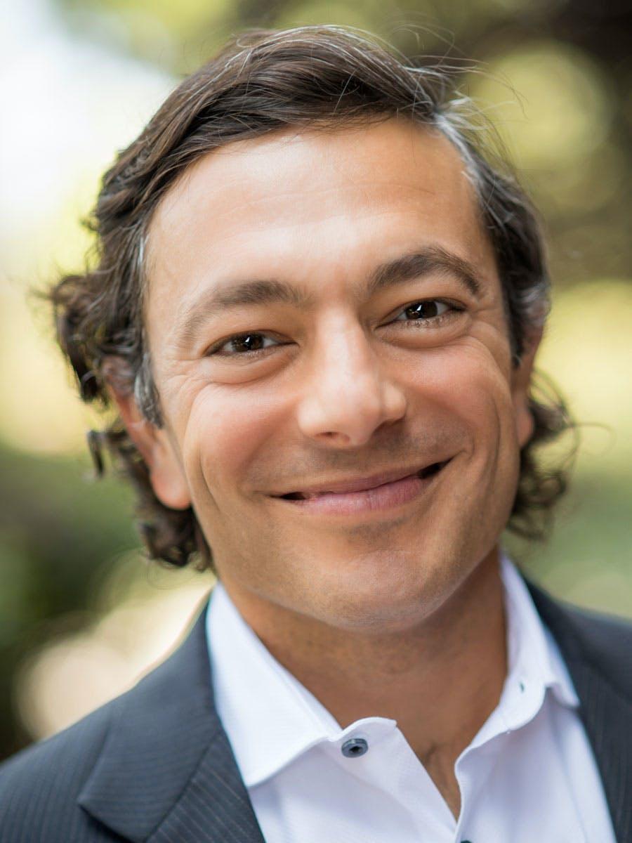 Alfi Guindi headshot