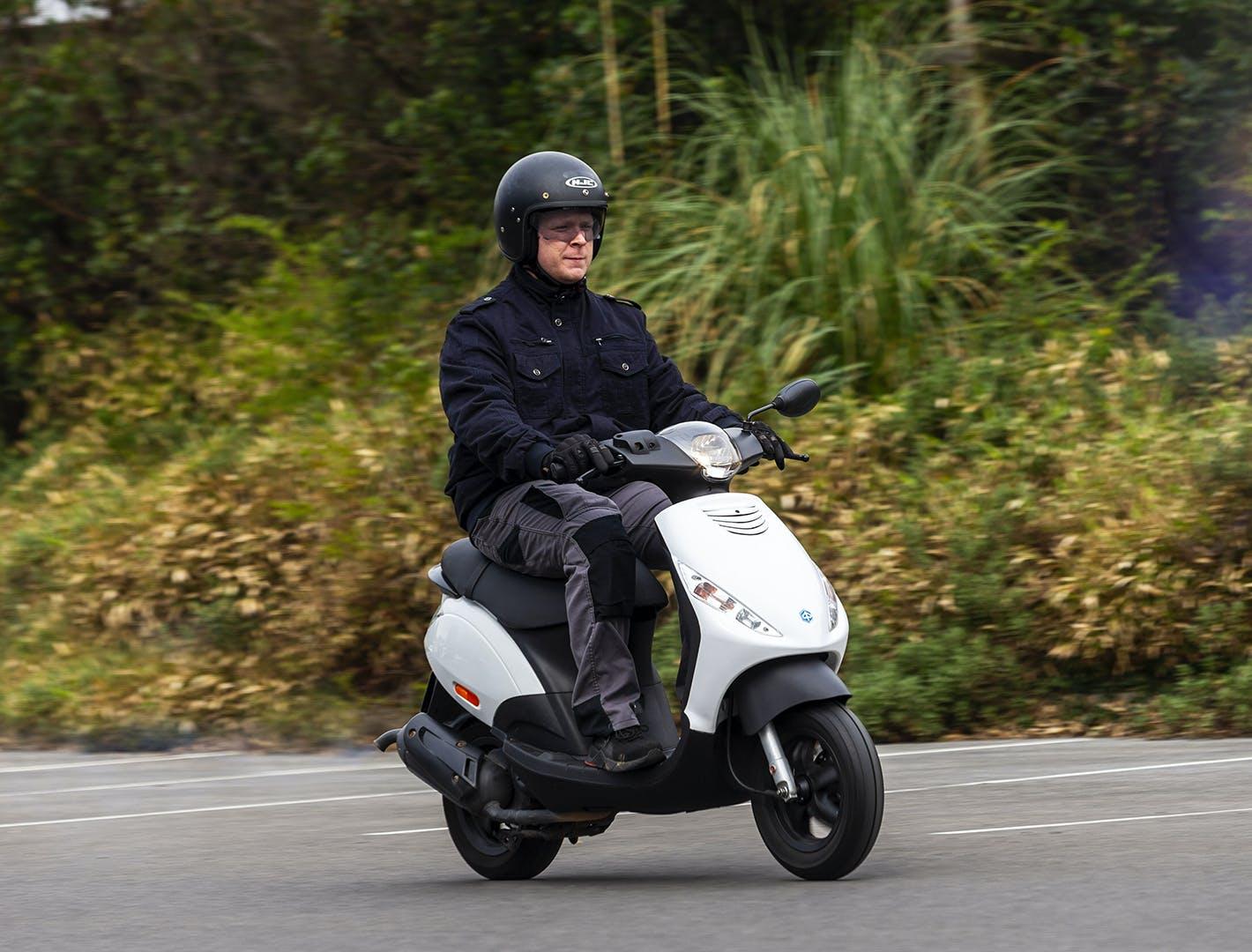 Scooter 2 temps sur route