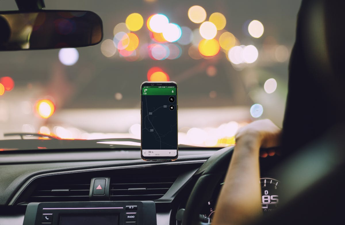 GPS navigation in car with smartphone app