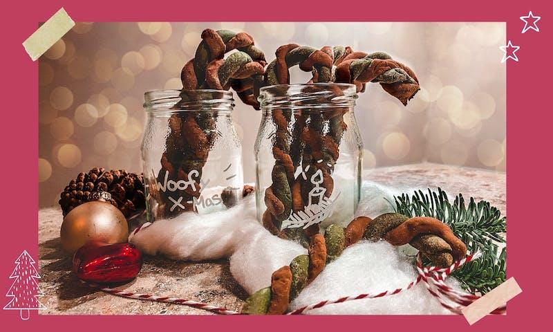 Zuckerstangen in einem Glas zum Verschenken