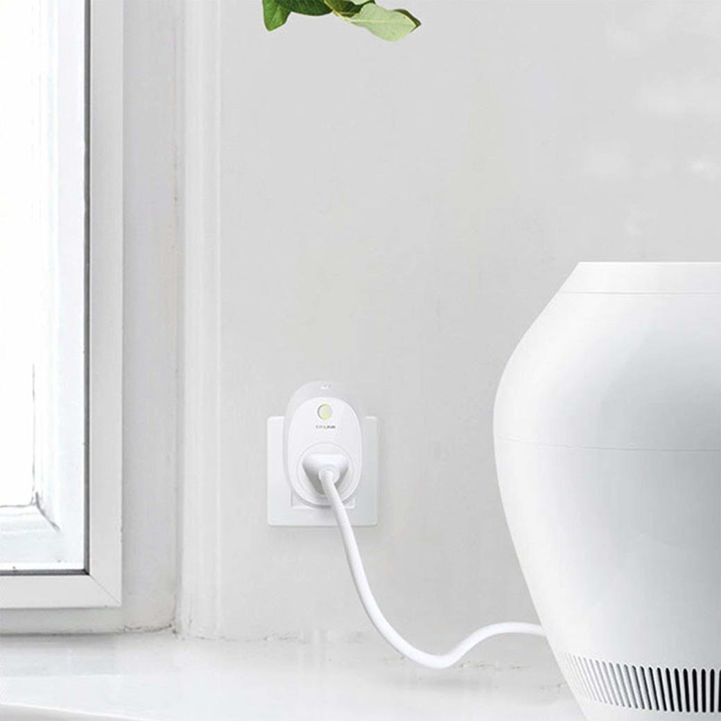 Kasa-smart-plug-with-energy-monitoring-gallery-image