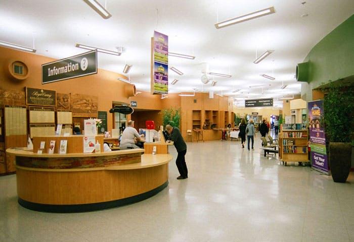 Royal Colombian Hospital Lobby Photo 0