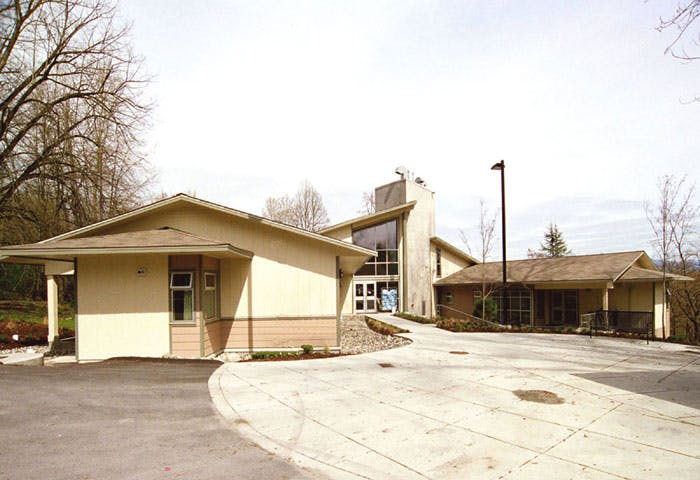 Cottonwood Lodge Care Facility - LEED Gold Project Photo 8