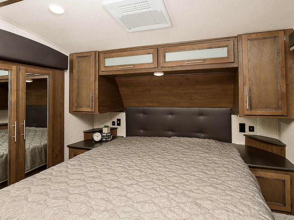 29MBS bedroom